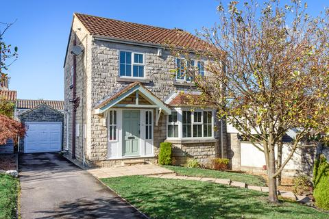 3 bedroom detached house for sale - Lyndon Close, Bramham, Wetherby