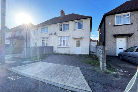 3 bedroom semi-detached house for sale - Cromwell Road,  Hayes, UB3