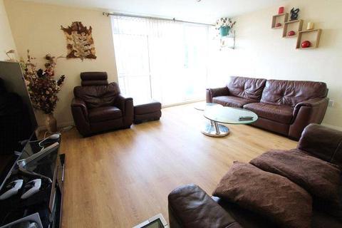 3 bedroom apartment to rent - Canberra Drive, Northolt, UB5