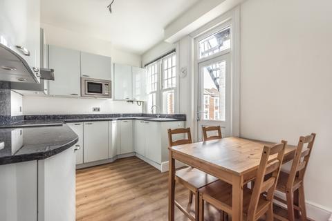 2 bedroom apartment to rent - Charlton Road London SE3