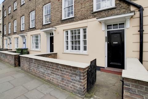 2 bedroom ground floor flat to rent - King William Walk London SE10