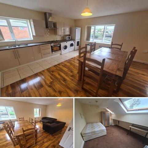 4 bedroom flat to rent - Stonegate Road, Leeds LS6