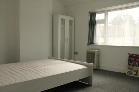 2 bedroom flat to rent - Edmonton, N18