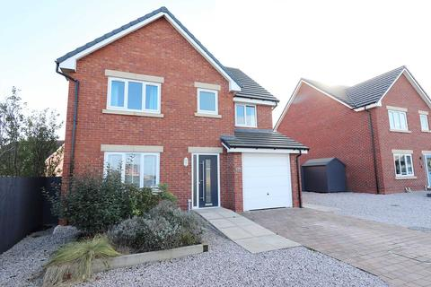5 bedroom detached house for sale - The Burtons, Warton