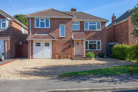 4 bedroom detached house for sale - Cherrywood Gardens, Flackwell Heath