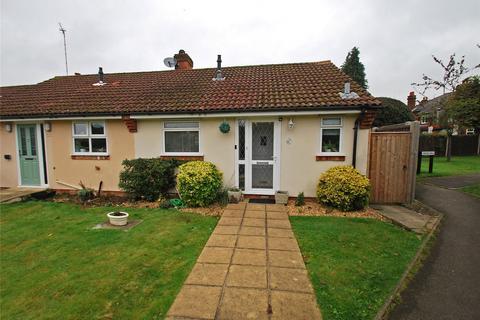 1 bedroom bungalow for sale - Farmers Way, Seer Green, Beaconsfield, Buckinghamshire, HP9