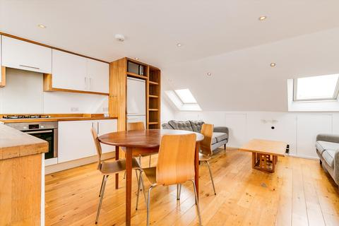 3 bedroom flat to rent - Munster Road, London, SW6