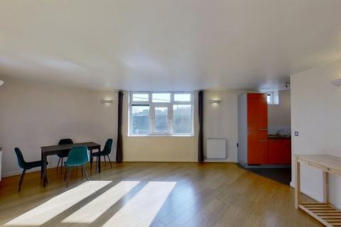 2 bedroom property to rent - Martello Street, London Fields, London, E8