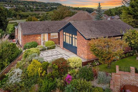 3 bedroom bungalow for sale - Hillcrest Drive, Cuxton, Rochester, ME2