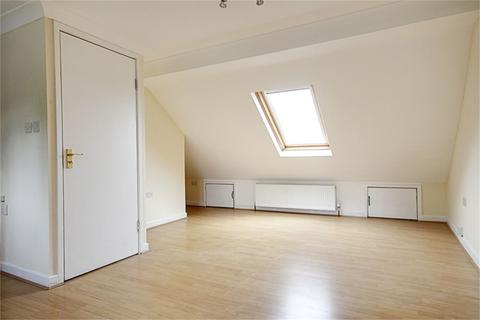 3 bedroom maisonette to rent - Orchardleigh Avenue, Enfield, Middlesex, EN3