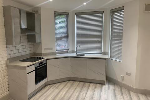 Studio to rent - Talgarth Road, W14