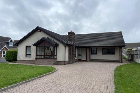 4 bedroom bungalow to rent - Cenarth Close, Pembroke Dock, Sir Benfro, SA72