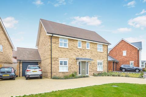 4 bedroom detached house for sale - Weston Avenue, Broadbridge Heath