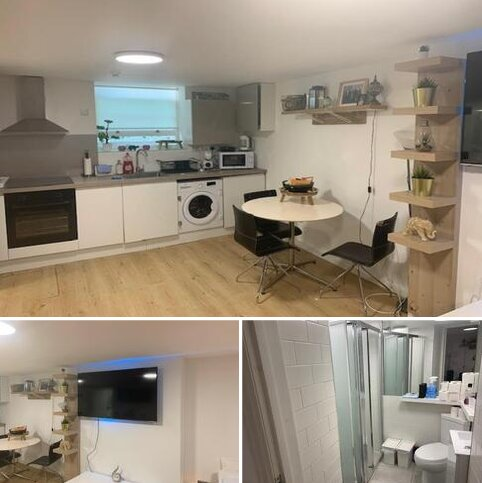 Studio to rent - Bond Street, Brighton