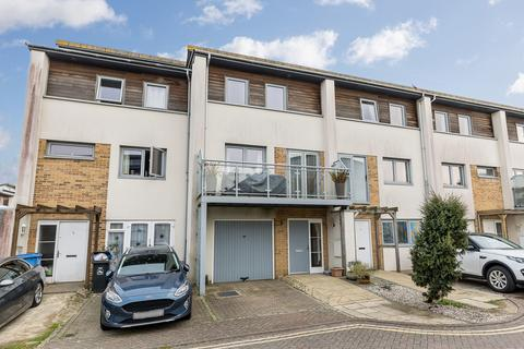 3 bedroom townhouse to rent - Broomhill Way, Poole
