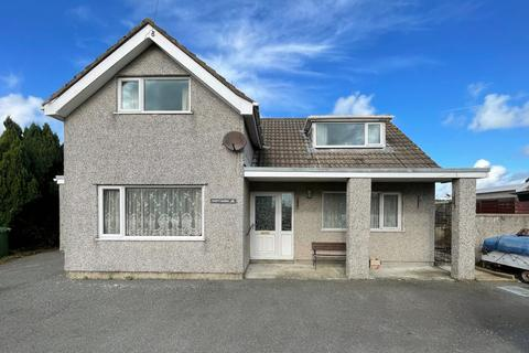 4 bedroom bungalow for sale - Gwalchmai, Holyhead, LL65