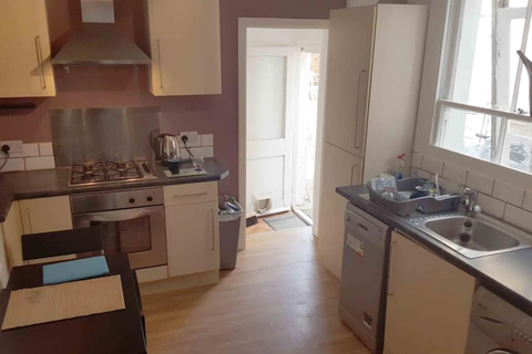 1 bedroom flat to rent - London SE6