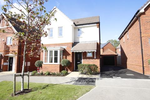 3 bedroom detached house to rent - Bluebell Crescent, Wimborne