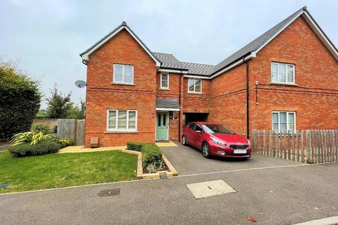 4 bedroom semi-detached house to rent - Ely Way, Leagrave, Luton, LU4 9QN