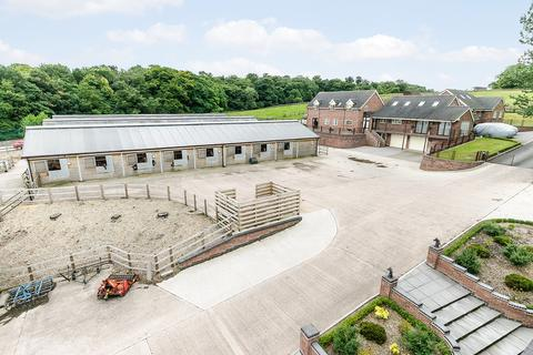 3 bedroom equestrian property to rent - Butterton Racing Stables, Newcastle Under Lyme, Staffordshire, ST5 4DZ