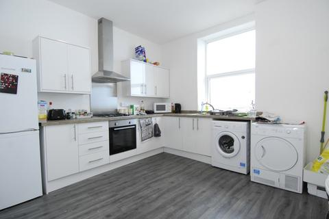 4 bedroom apartment to rent - Wellington Street, Plymouth