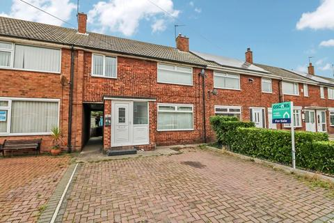 3 bedroom terraced house for sale - Stornaway Square, Hull