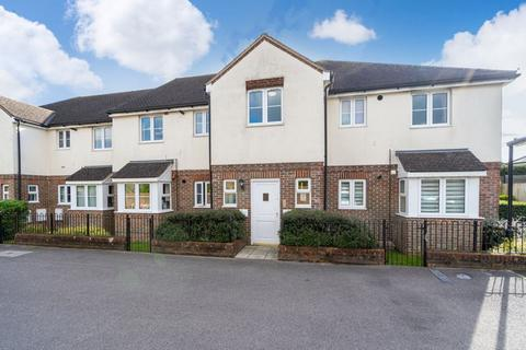 3 bedroom apartment for sale - Stokenchurch