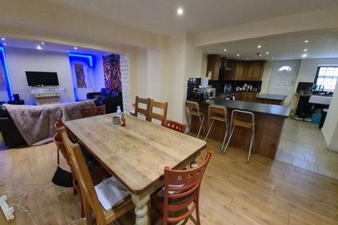 9 bedroom terraced house to rent - Hyde Park Terrace, Hyde Park, Leeds, LS6 1AS