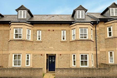 3 bedroom flat to rent - JEUNE STREET (ST CLEMENTS)