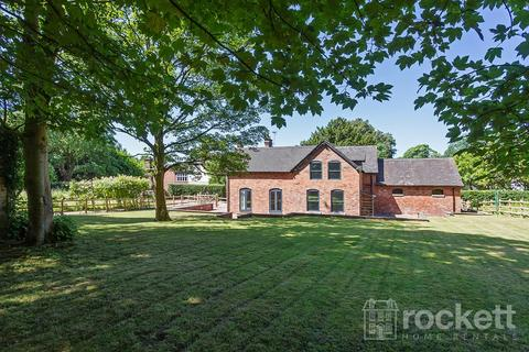 4 bedroom barn conversion to rent - Station Road, Barlaston