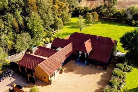4 bedroom barn conversion for sale - Mount Road, Theydon Garnon, Epping