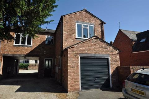 2 bedroom coach house to rent - New Street, Leamington Spa