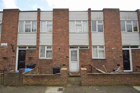2 bedroom terraced house for sale - Covert Road, Hainault, Essex, IG6