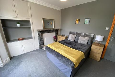 1 bedroom in a house share to rent - Hope View, Shipley