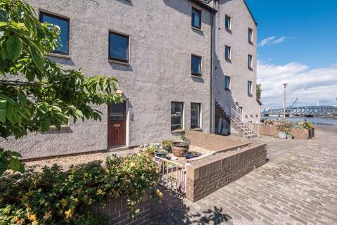 2 bedroom flat to rent - SANDPORT, THE SHORE, LEITH, EH6 6PL