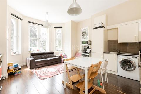 2 bedroom flat to rent - Crescent Road, N8