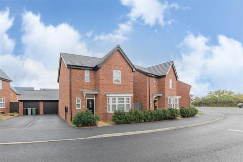 3 bedroom detached house for sale - Southwell Way, Uppingham, Oakham