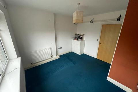 2 bedroom flat to rent - Queen Street, London