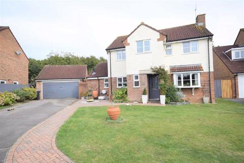 4 bedroom detached house for sale - Cruse Close, Chippenham, Wiltshire, SN14