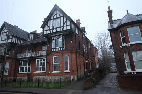 1 bedroom flat to rent - Flat 11, 13 Canterbury Road, Ashford