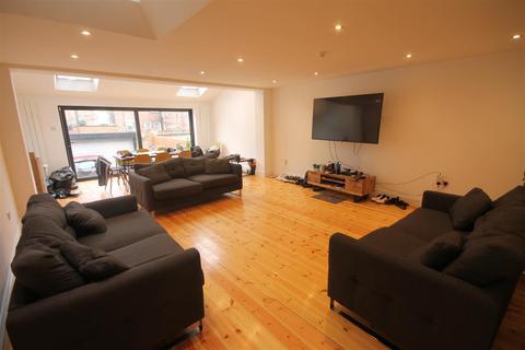 9 bedroom terraced house to rent - Fern Avenue, Jesmond