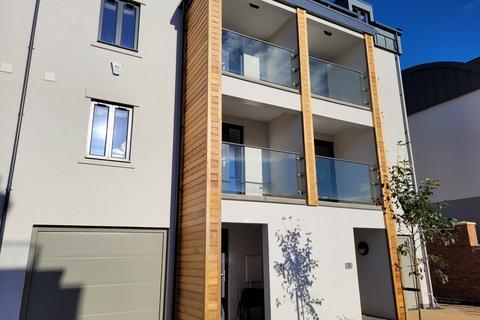 4 bedroom townhouse to rent - Lime Avenue, Leamington Spa, CV32