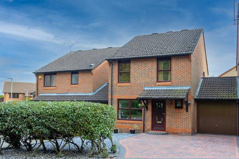 3 bedroom link detached house for sale - Mint Close, Earley, Reading, RG6 5GY