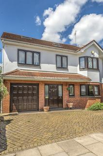 6 bedroom house to rent - Lyndhurst Gardens London N3