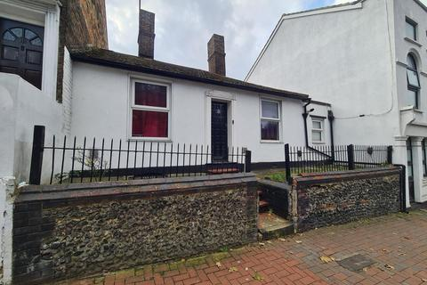 4 bedroom terraced house to rent - Chatham Hill, Chatham, ME5