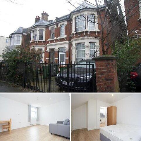1 bedroom flat to rent - Norwich Road, London E7
