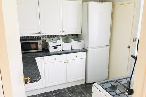 2 bedroom flat to rent - barking, IG11 9BZ