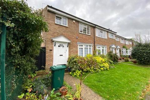 3 bedroom semi-detached house to rent - Regina Close, Barnet, EN5