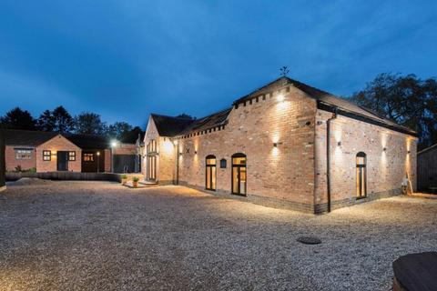 5 bedroom barn conversion for sale - Quarry Lane, Warwick, Planning Permission Passed October 2021