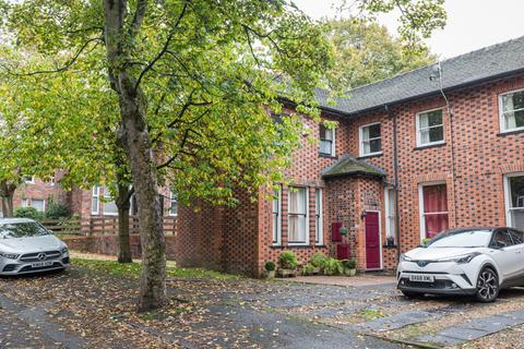 2 bedroom semi-detached house to rent - St Christophers Ave,